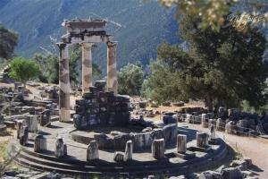 The Iconic symbol of Delphi. Also known as a temple to Athena